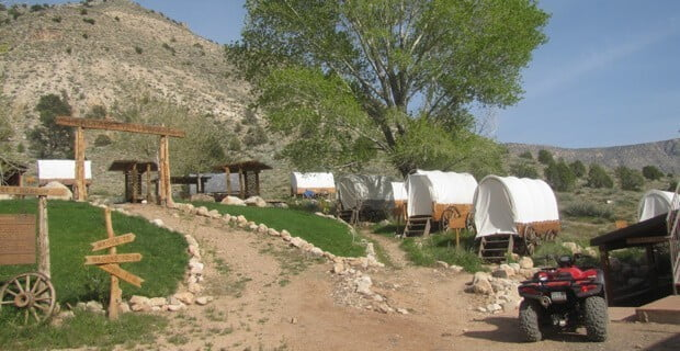 Bar 10 Ranch Accomodations